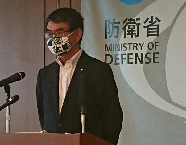 河野太郎防衛大臣のマスクがおしゃれ。ファッションの様な奇抜でかっこいい種類の画像まとめ | お立ち寄り所